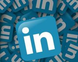 How does LinkedIn work? Insight into LinkedIn Business model and Revenue Model of LinkedIn